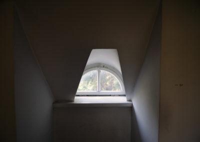 Okienko na piętrze