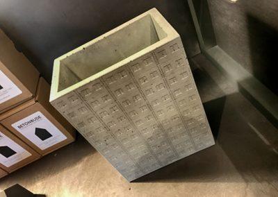 ...oraz nasz faworyt - dzban w kształcie bloku mieszkalnego.
