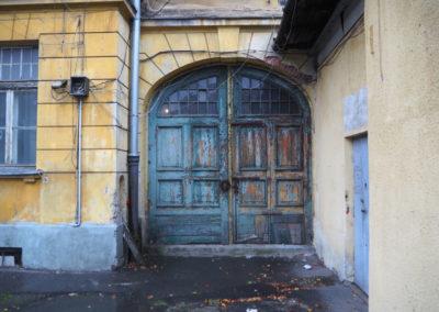 Brama wjazdowa na dziedziniec