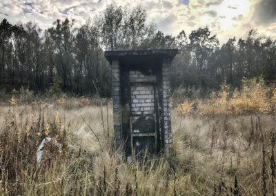 Takie dziwne małe kioski stoją po środku polan. PS. i nie są to toalety ;)