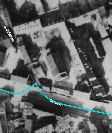 Zdjęcie lotnicze z1935 roku, naktórymwidać omawianą działkę